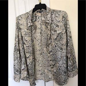 Button down shirt in animal print design size L